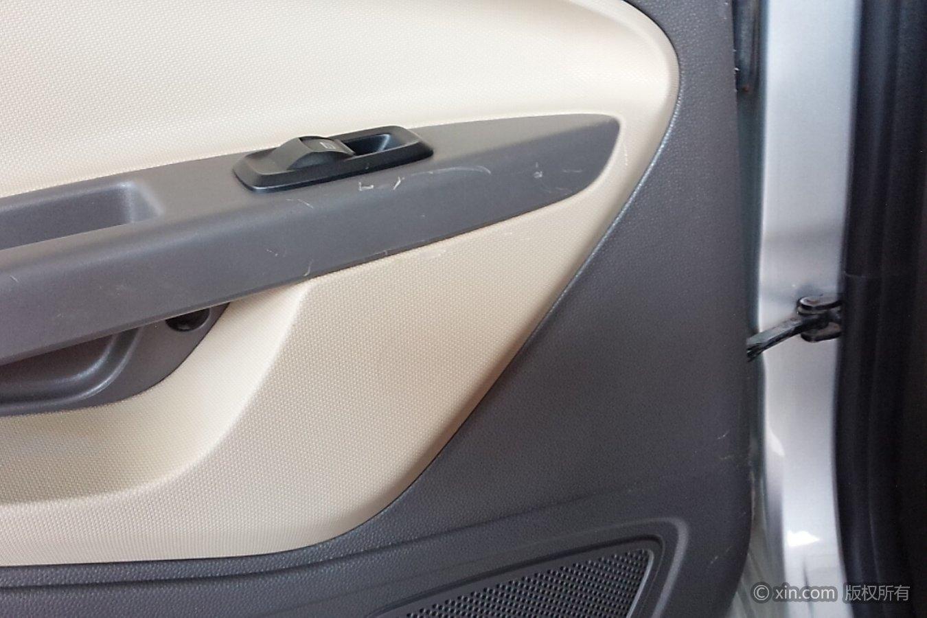 福特 嘉年华两厢 2011款 1.5 自动 时尚型