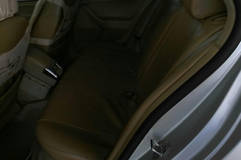 0速腾后排座椅拆卸图解