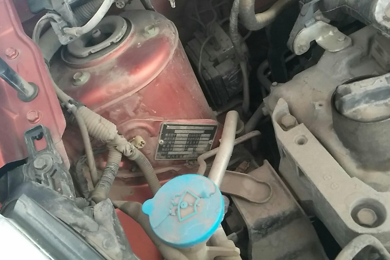 发动机舱 车架号 发动机盖右侧铰链 发动机盖左侧铰链 左侧减震器支架