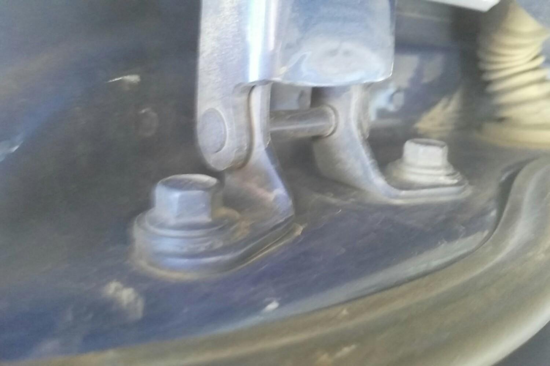 6 手动 sx( 蓝色 )  发动机盖右侧铰链 发动机盖左侧铰链 右前车门