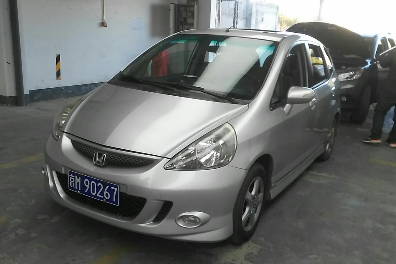 【北京】本田 飞度两厢 2007款 1.5 自动 舒适型( 灰色 )